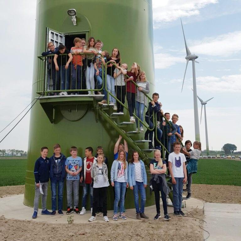 scholieren bezoeken windpark Kilwind
